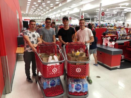 Erstversorgung im Target Supermarkt.
